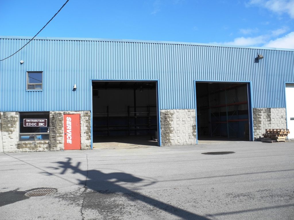 Local louer ca le 1 site d 39 annonces commercial au for Location garage laval